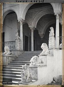 Tunisie, Le Bardo, Escalier des lions. Détail de l'escalier des Lions menant aux appartements beylicaux du palais du Bardo