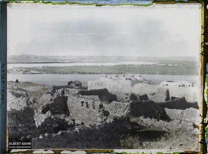 Irak, Hammam- Ali, Etablissement des bains sulfureux. Etablissement de bains sulfureux (près des sources à 130° F)
