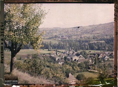 France, St Julien d'Empeyre (Aveyron), St Julien, vue Générale prise du mont Verdier