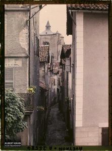 France, Villefranche de Rouergue (Aveyron), Aspect d'une vieille rue, vue du Champ de foire