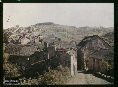 France, Najac, Partie nord de Najac, vue prise au Sud du Château