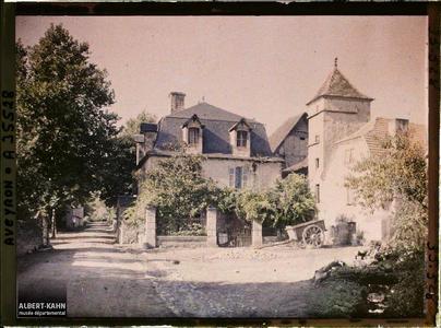 France, St Julien d'Empeyre (Aveyron), Un aspect du Village vu de la petite Place