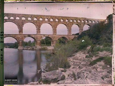 France, Beaucaire, Plus près vers l'amont.