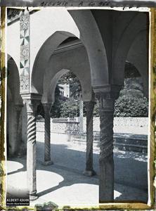 Algérie, Alger, Palais d'Eté du Gouverneur petit pavillon Mauresque autre aspect.Galerie d'un petit pavillon dans le palais d'été du Gouverneur