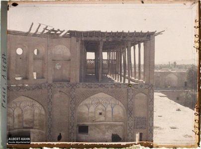Perse, Ispahan, La terrasse à Colonnes du Palais de Chah Abbas.Terrasse couverte d'un bâtiment du grand bazar