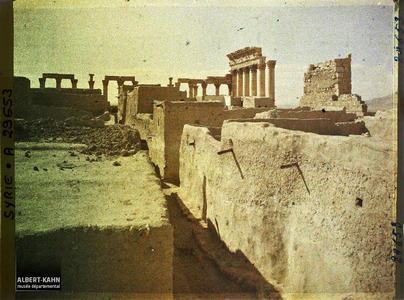 Syrie, Palmyre, Temple du Soleil, Colonnade sud ouest. Colonnade sud-ouest du Temples de Bêl