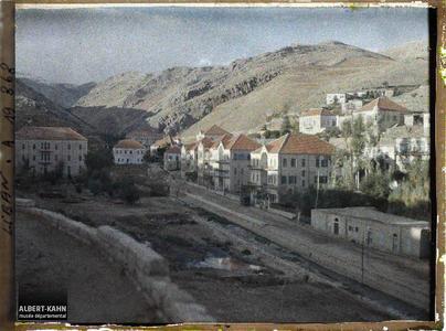Syrie, Zahlé, Une vue de Zahlé. Un quartier de la ville traversé par le Nahr El Berdaouni.