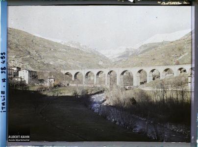 Italie, Tenda, Le Viaduc ligne de Vintimille à Coni. Le Viaduc de la ligne Vintimille-Coni