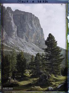 Tyrol, Wolkenstein, Col du Groedner, Paysage au soleil couchant vers la Sella.La chaine de la Sella (Groupo di Sella ou Sellagruppe) depuis le col du Grödner (Grödner Joch ou passo Gardena)