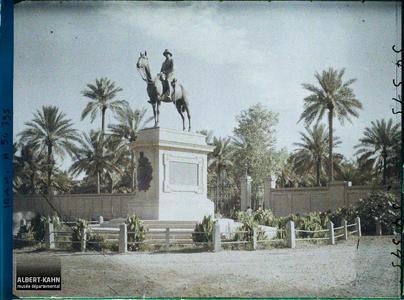 Irak, Bagdad, Statue du Général Mand. Statue du général britannique Sir F. Stanley Maude (prit Bagdad aux Ottomans en 1917)