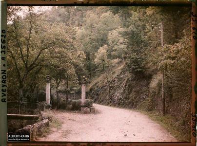 France, Vallée de l'Alzou, Aspect de la route direction Villefranche