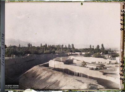 Perse, Téhéran, Vue vers le Démavend. Vue vers le mont Demâvend ou Damavand