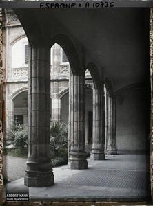 Espagne, Burgos, L'intérieur du patio de la Maison du Cordon (XV eme S eme)