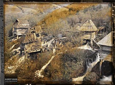 Bosnie, Jajce, Les petits moulins des chutes de la Pliva.Les petits moulins des chutes de la Pliva