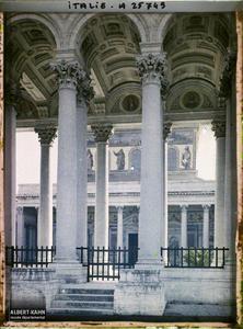 Italie, Rome, Les mosaïques (Egl. St Paul).Façade de la basilique Saint-Paul-hors-les Murs